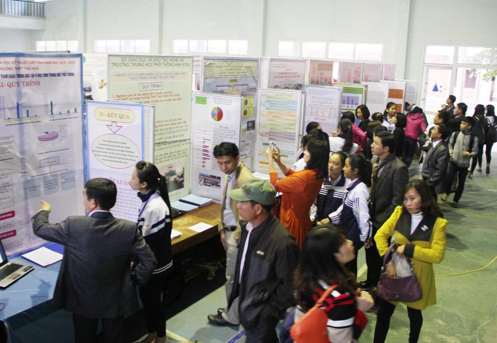 Năm nay có 123 sản phẩm khoa học kỹ thuật thuộc 14 lĩnh vực của hàng trăm học sinh đến từ 32 trường THPT và 18 phòng giáo dục đào tạo trên địa bàn tỉnh.