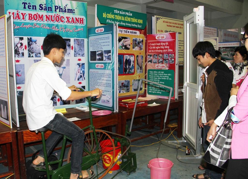 Sản phẩm máy bơm nước xanh của trưởng THPT Nghi Lộc 5 rất tiện dụng và dễ áp dụng.