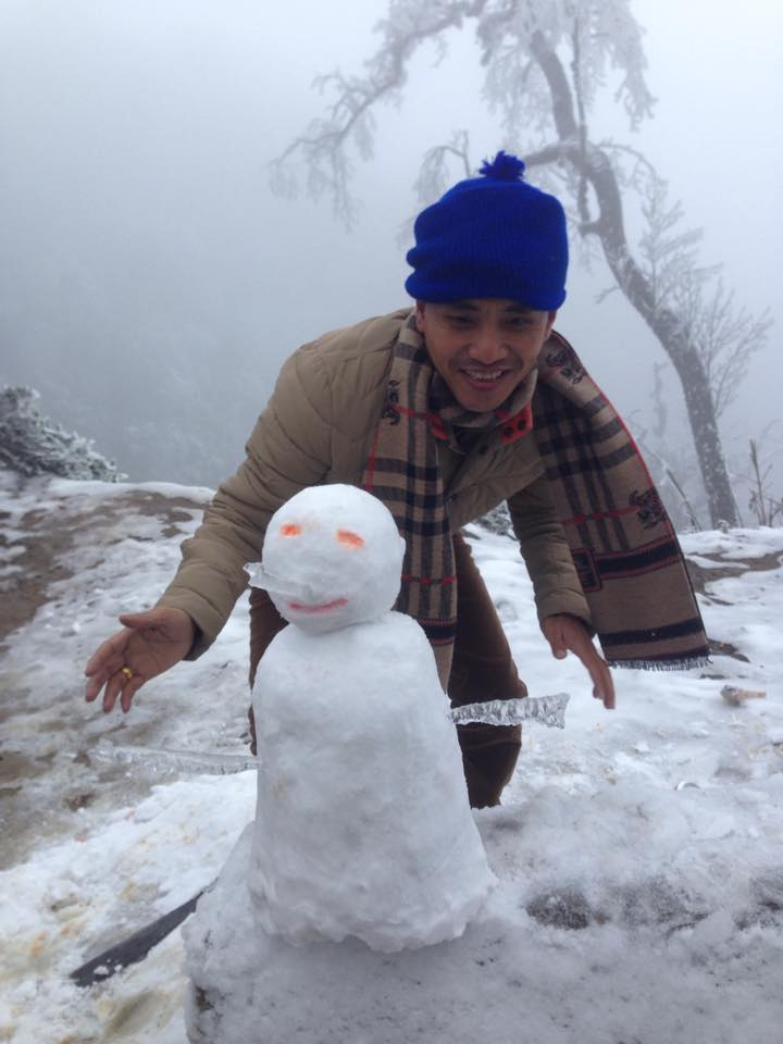 Nghịch cùng tuyết ở Buộc Mú.