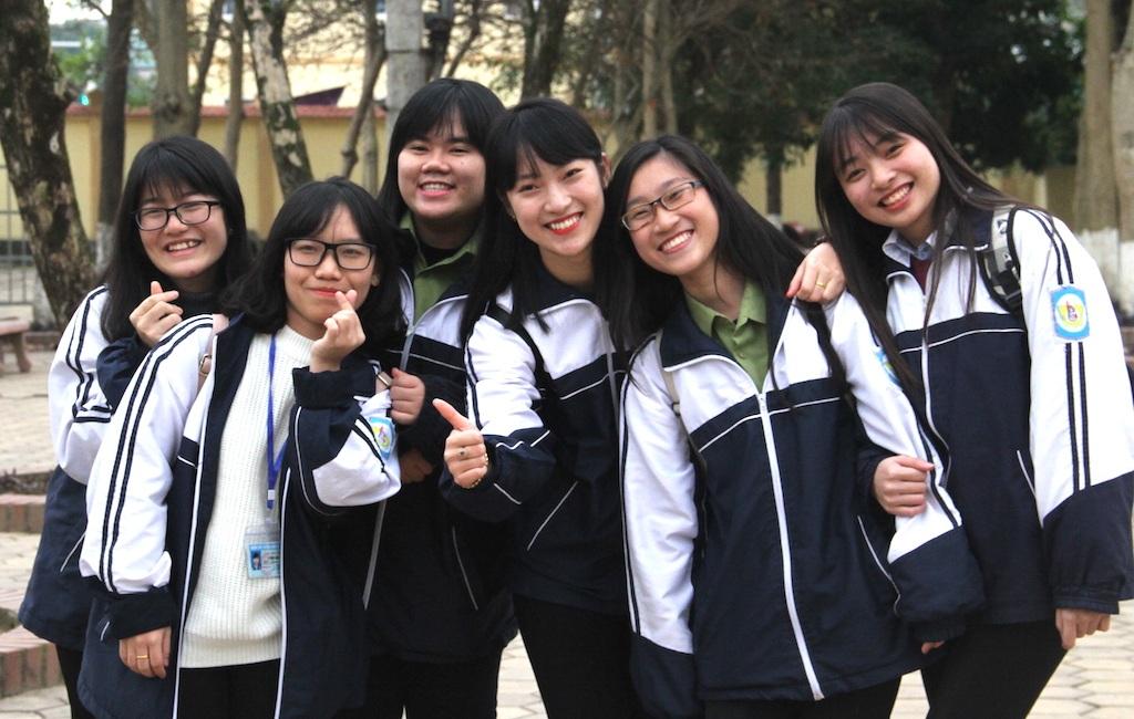 """Thành tích học tập đáng nể của nữ sinh trường Phan gây sốt vì """"nhại"""" liền mạch 7 ngôn ngữ - 4"""