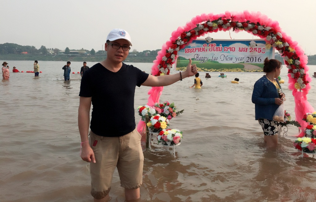 PV Dân trí có mặt ở biển trên sông Mê Kông của đất nước Lào.