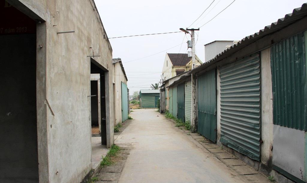 """Nghệ An: """"Kỳ lạ"""" ... chợ xây cho các hộ bán phở - 3"""