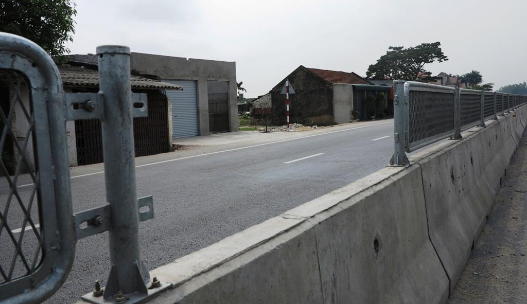 Nghệ An: Tái diễn tình trạng tháo dỡ lan can trên tuyến quốc lộ 1A - 2