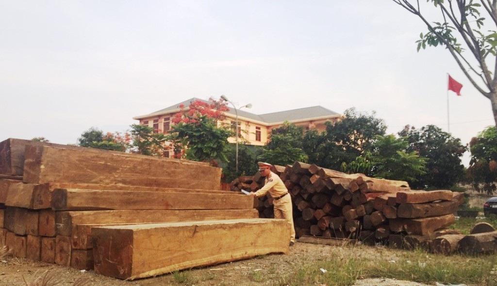 Số gỗ quý này được bàn giao cho Phòng Cảnh sát kinh tế Công an tỉnh Nghệ An tiếp tục điều tra xử lý theo quy định.