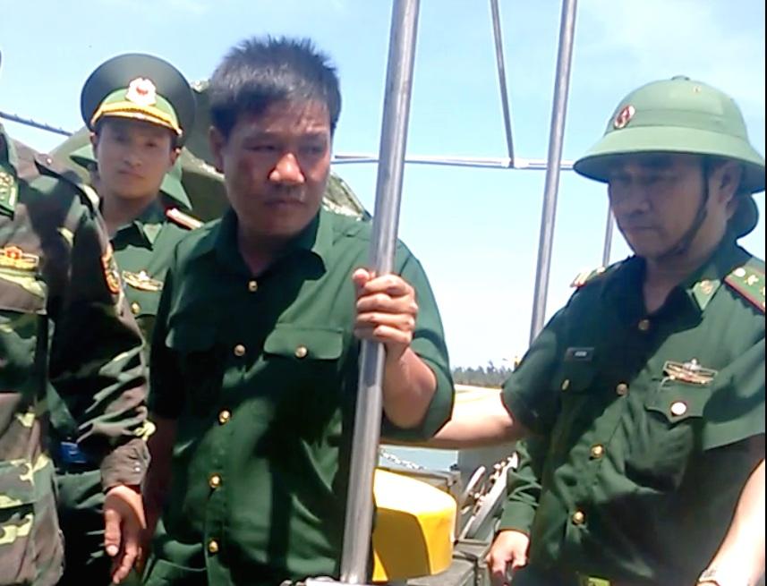 Hình ảnh phi công Nguyễn Hữu Cường khi trở về đất liền - 2