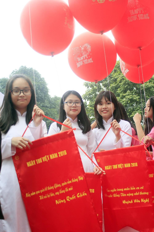Ngày thơ Việt Nam 2016: Lần đầu tiên có sân thơ cho thiếu nhi - 16