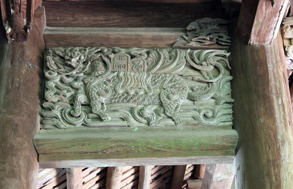 Đình Đình Chu là một di tích lịch sử có kiến trúc nghệ thuật độc đáo đã được Bộ Văn hóa Thể thao và Du lịch công nhận là Di tích lịch sử văn hóa Quốc gia năm 1998.