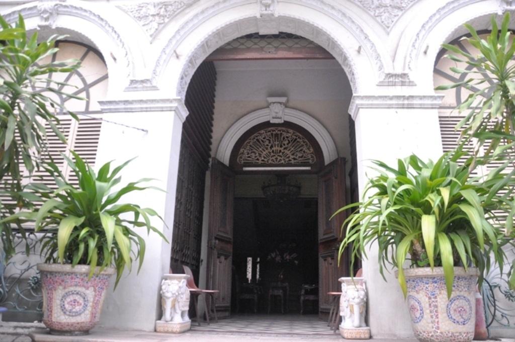 Lộ diện tân chủ nhân căn biệt thự cổ 35 triệu USD giữa Sài Gòn - 7