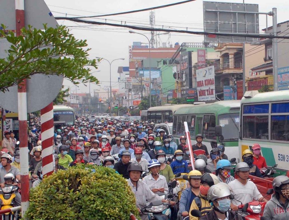Tuyến đường trên cao số 5 từ nút giao Trạm 2 (quận Thủ Đức) đến nút giao Tân Tạo (quận Bình Tân) sẽ giảm tải cho quốc lộ 1A hiện hữu (ảnh Đình Thảo)
