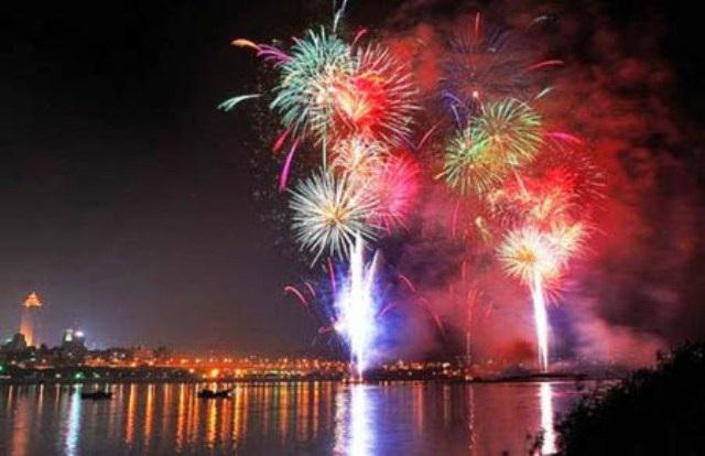 Người dân thành phố sẽ thưởng thức màn bắn pháo hoa tầm cao chào đón năm Bính Thân tại đầu đường hầm sông Sài Gòn