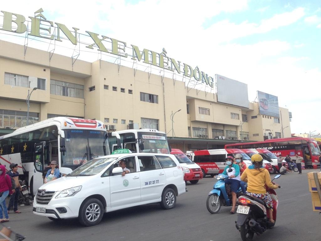 Nhiều đơn vị vận tải hành khách và hãng taxi tại TPHCM đã đăng ký giảm giá cước