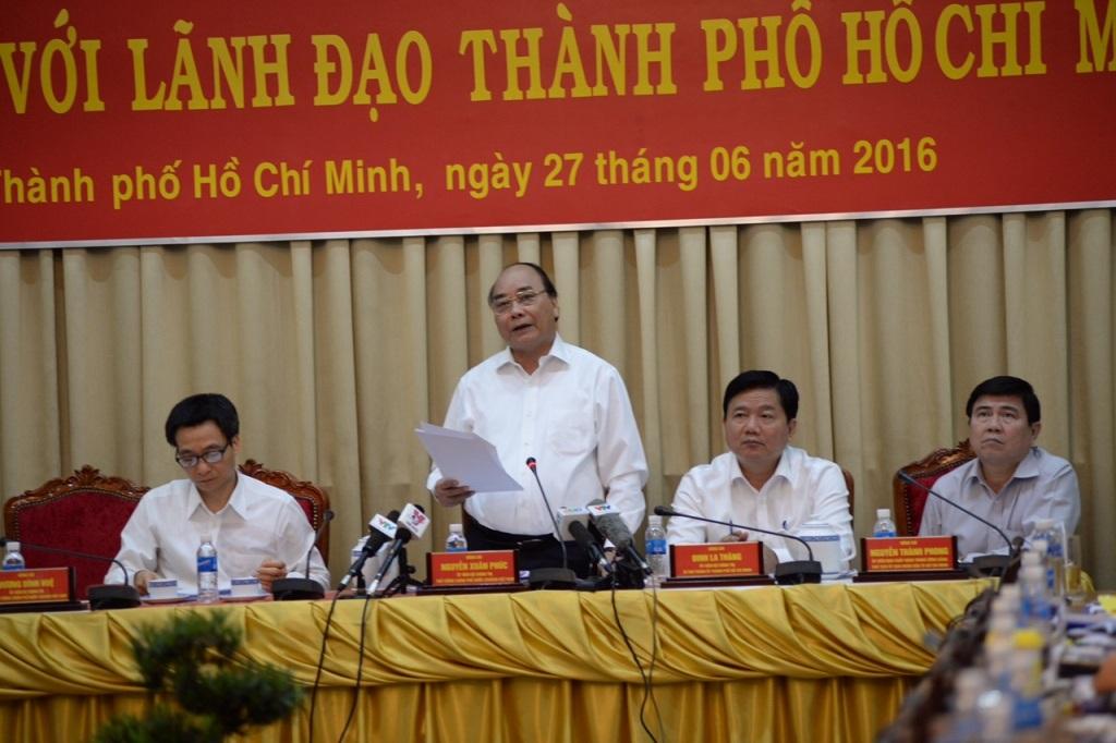 Thủ tướng Nguyễn Xuân Phúc đề nghị TPHCM đấu giá đất vàng để lấy tiền phát triển hạ tầng giao thông