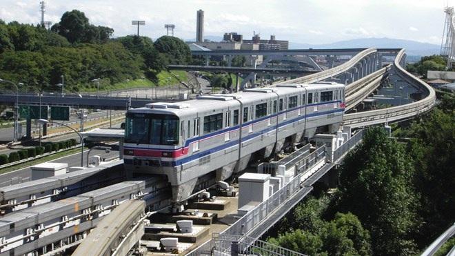 Tàu điện 1 ray trên cao tại TP Osaka, Nhật Bản (ảnh: Infonet)