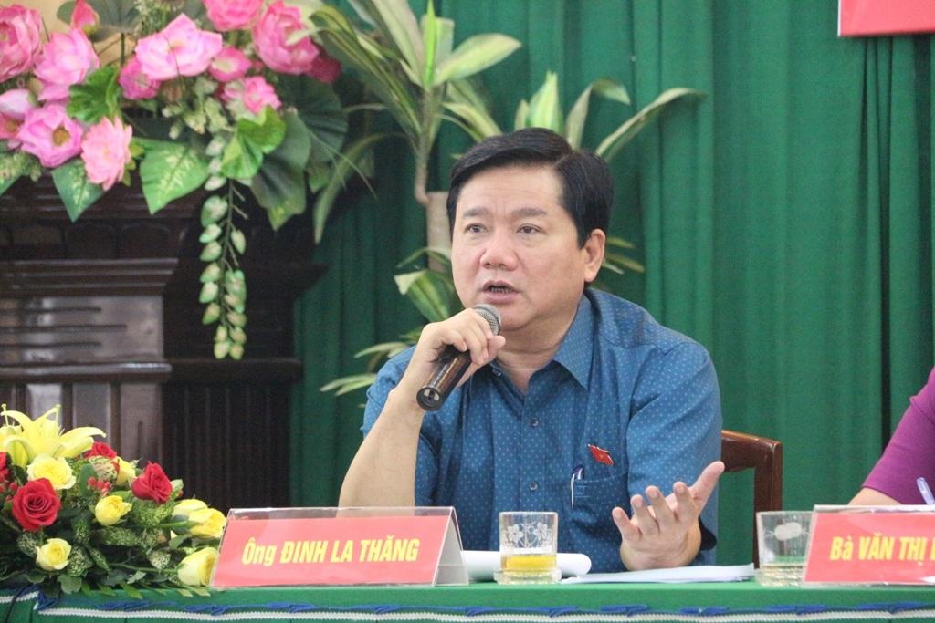 Bí thư Đinh La Thăng yêu cầu sớm sửa đường được mệnh danh xấu nhất TP cho người dân đi lại được an toàn