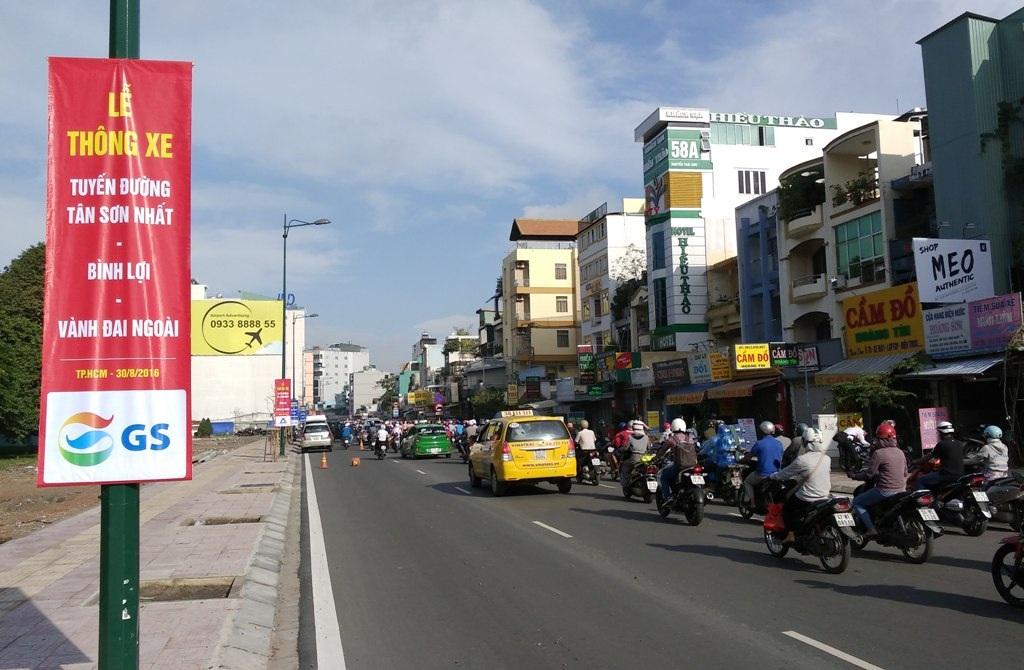 Tổ chức lưu thông 1 chiều trên đường Bạch Đằng và hạn chế ô tô sẽ góp phần giảm ùn tắc tuyến đường ra vào sân bay Tân Sơn Nhất