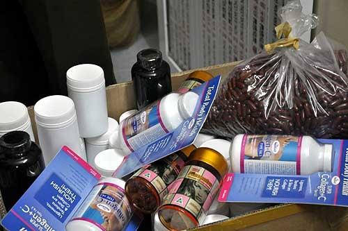 Trong năm 2014 và những tháng đầu năm 2015, lực lượng chức năng đã phát hiện, xử lý trên 2.000 vụ vi phạm về thực phẩm chức năng, thu nộp ngân sách Nhà nước khoảng 200 tỉ đồng.