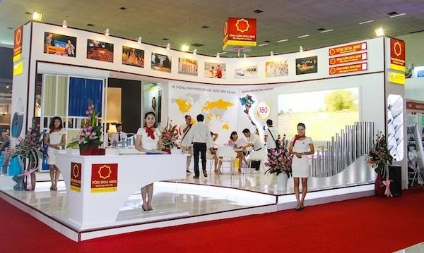 Gian hàng của Tập đoàn Hoa Sen với sản phẩm giới thiệu chủ đạo là ống kẽm Hoa Sen.