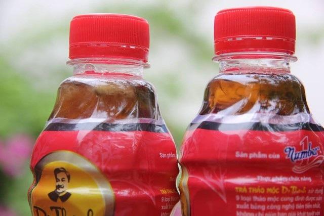 Câu chuyện khởi nguồn từ việc một chủ quán ăn phát hiện chai nước uống Number One của Tân Hiệp Phát có dị vật giống một con ruồi.
