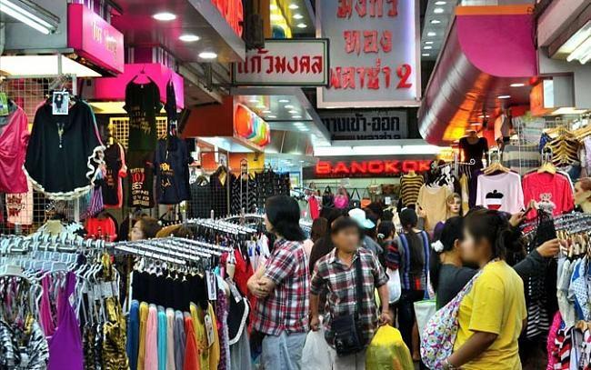 Đợt nghỉ ngắn 3 ngày nên nhiều người lựa chọn các địa điểm gần như Thái Lan, Singapore, Hồng Kông để tới du lịch kết hợp mua sắm cho Tết Nguyên Đán.
