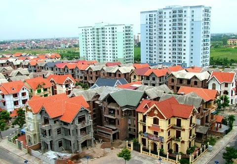 Nhìn chung các doanh nghiệp bất động sản ở Việt Nam chưa có thực lực về tài chính vì tỷ trọng vốn tự có quá nhỏ so với nhu cầu đầu tư.