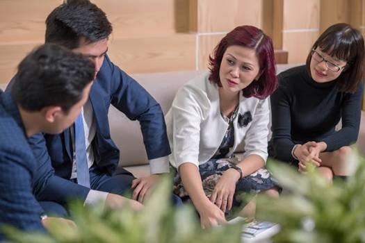 """Từ 1 giáo viên THPT """"rẽ ngang"""" trở thành CEO, chị Nguyễn Thị Mai Khanh trở thành bà chủ của 1 doanh nghiệp kinh doanh bất động sản có tiếng trên thị trường - Công ty CP bất động sản VHS"""
