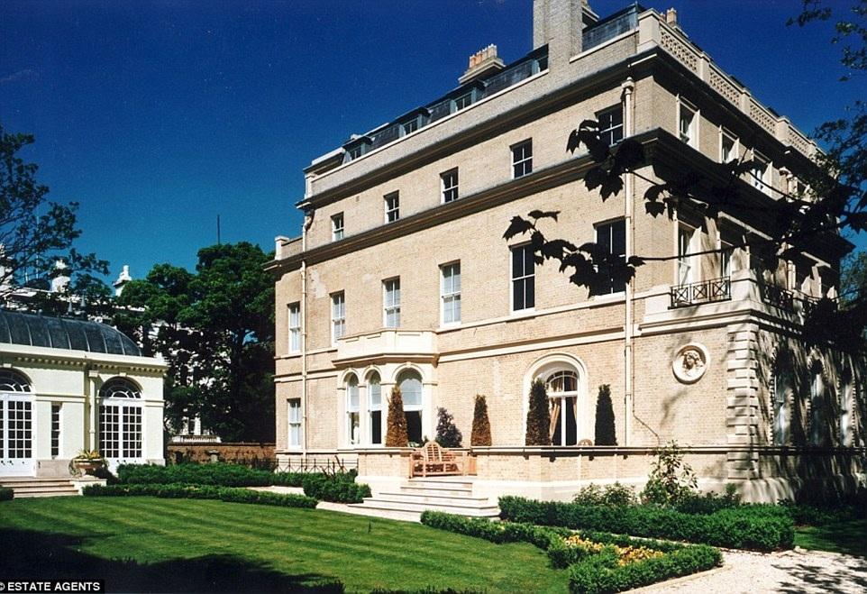 Dinh thự nằm ở khu phố lý tưởng ở London