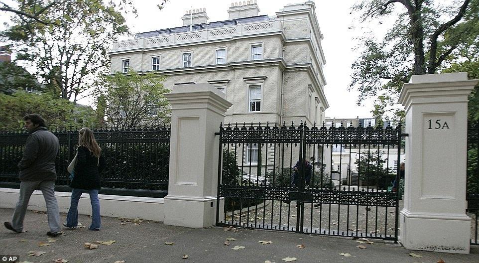 Dinh thự này có địa chỉ tại 15A phố Kensington Palace Gardens, London