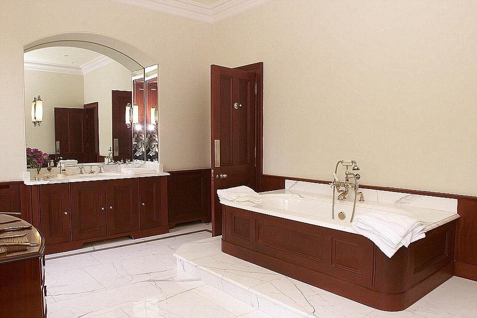 Nhà tắm rất tiện nghi và sang trọng