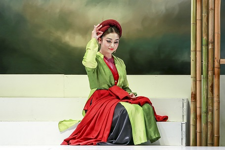 NSƯT Minh Hằng vào vai Hạ Vân đầy ấn tượng.