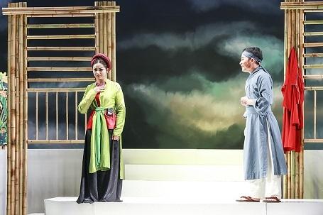 Chuyện kể về mối tình của chàng học trò nghèo Tuấn Long và cô thôn nữ xinh đẹp Hạ Vân
