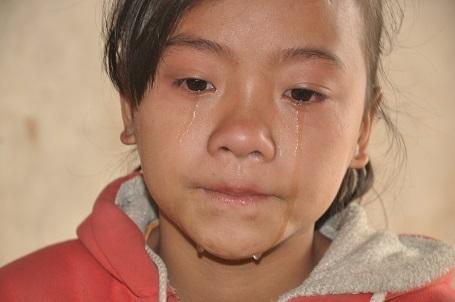 Thương bố, nhớ mẹ, ngày nào Hạnh cũng khóc.