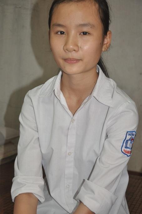 Con gái lớn của chị là cháu Lan đang chuẩn bị thi vào lớp 10.