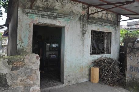 Không có nổi 1 ngôi nhà cho riêng mình, hiện gia đình chị Quyên đang ở nhờ ngôi nhà của ông chú họ.