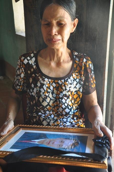 Bà đau đớn trước cái chết của 2 con, bỏ lại 2 đứa trẻ thơ.
