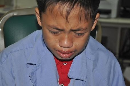 Cậu bé Tài liên tục khóc gọi tên chị gái tại khoa Hồi sức tích cực, BV Bạch Mai.