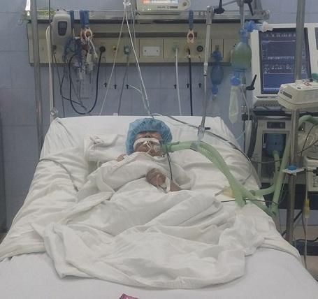 Cháu Trâm là bé có tim có 1 tâm thất, hẹp phổi, tình trạng rất nặng và tĩnh mạch phổi lạc chỗ.