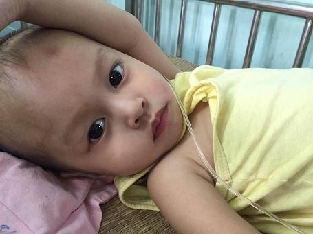 Gương mặt đáng yêu của bé Hoài Thương.