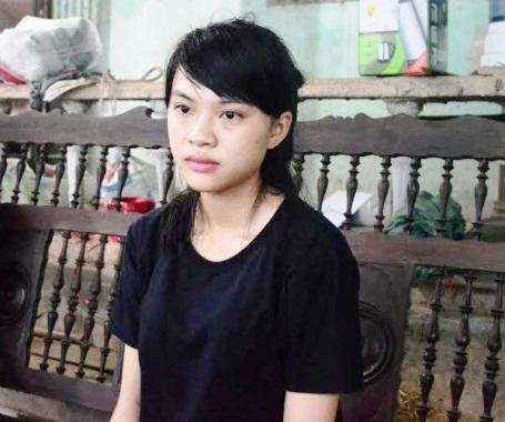 Em Bùi Kiều Nhi (Quảng Bình) suýt không thể nhập học chỉ vì 23 năm trước bố em từng mang án 9 tháng tù treo và đã được xóa án tích từ lâu. (Ảnh: Văn Lịnh).