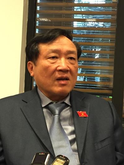 Viện trưởng VKSND Tối cao Nguyễn Hòa Bình trong cuộc trao đổi với PV Dân trí.