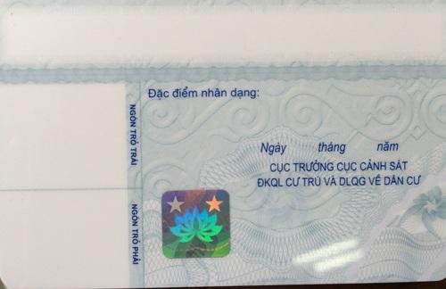 Mặt sau thẻ Căn cước công dân (Ảnh: T.K)