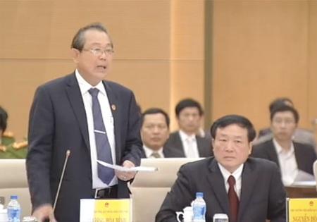 Chánh án TAND Tối cao Trương Hòa Bình trình bày báo cáo công tác của Tòa.