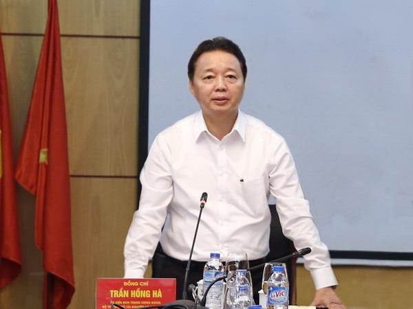 Bộ trưởng Bộ Tài nguyên và Môi trường Trần Hồng Hà (Ảnh: Bộ TN&MT)