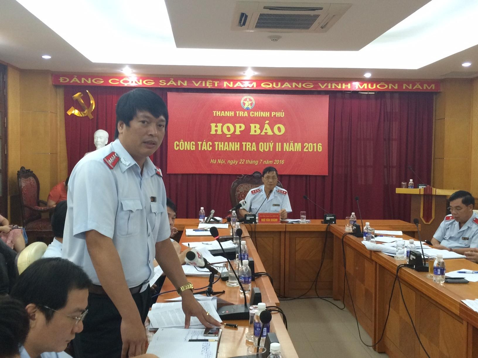 Ông Ngô Mạnh Hùng - Phó Cục trưởng Cục Chống tham nhũng trả lời tại cuộc họp báo (Ảnh: Thế Kha)