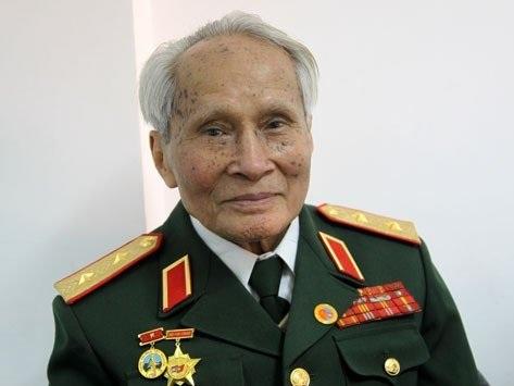 Trung tướng Nguyễn Quốc Thước - nguyên Tư lệnh Quân khu IV, Bộ Quốc phòng.