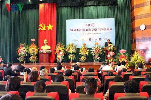 Đại hội thành lập Hội Luật quốc tế Việt Nam (Ảnh: VOV)