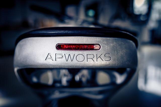 APWorks cho biết đã sử dụng những vật liệu tốt nhất; toàn bộ khung xe được làm bằng Scalmalloy - một loại bột nhôm phẩm cấp chế tạo máy bay, để có độ cứng như titan, có khả năng chống ăn mòn.
