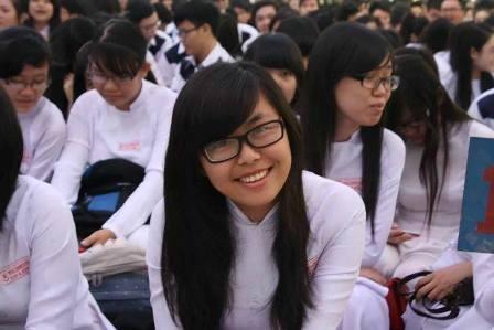 Năng nổ hoạt động đoàn nhưng suốt 11 năm liền Hồng Trang luôn đạt danh hiệu học sinh giỏi