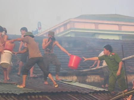 Hà Tĩnh: Hỏa hoạn tại kho hàng Xuất nhập khẩu Nam Thủy sản  - 2