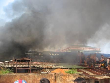 Hà Tĩnh: Hỏa hoạn tại kho hàng Xuất nhập khẩu Nam Thủy sản  - 1