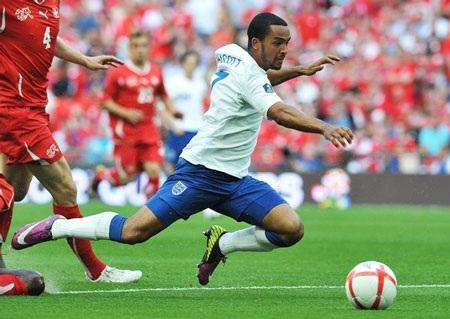 """Anh """"hút chết"""" trước Thụy Sỹ tại Wembley - 1"""